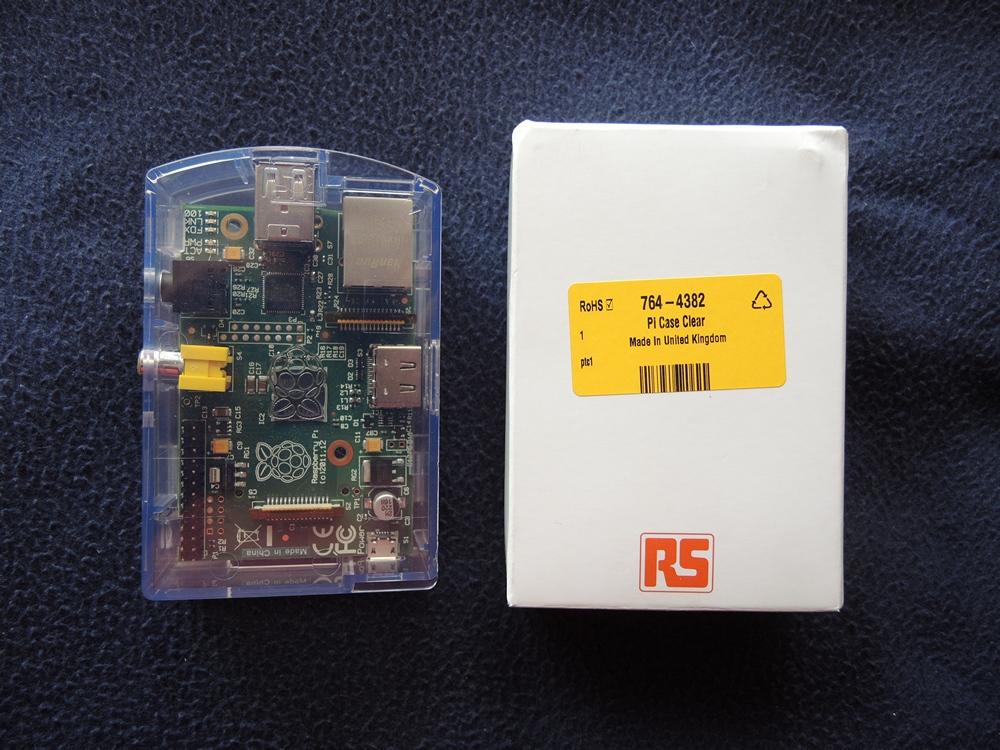 Raspberry Pi B w Case